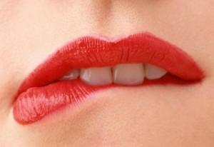 О чем говорят губы женские