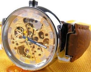 Механические женские наручные часы