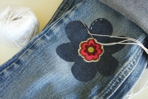 джинсах без иголки и нитки